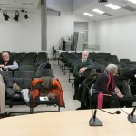 Accueil dans la salle de conférence des archives : quelques adhérents de l'AGV